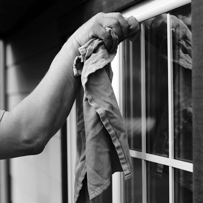 Window cleaning bw